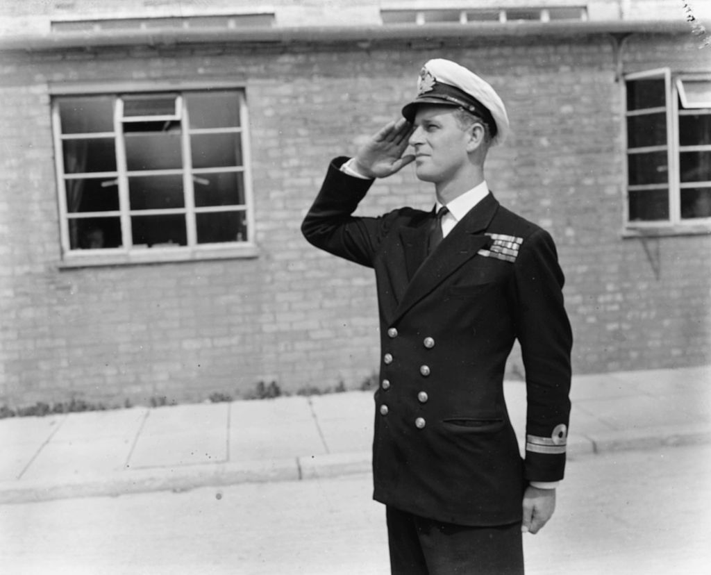 Lieutenant Philip Mountbatten, prior to his marriage to Princess Elizabeth, saluting as he resumes his attendance at the Royal Naval Officers School at Kingsmoor, Hawthorn, England, July 31st 1947. (Photo by PNA Rota/Keystone/Getty Images)