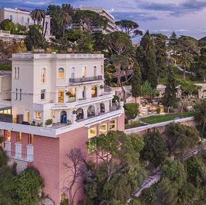 Foto: Kemewahan Rumah Lokasi Syuting James Bond yang Dijual Rp 477 M