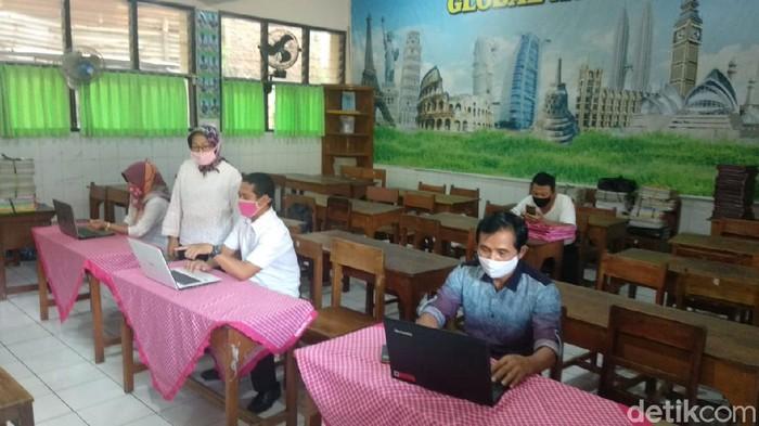 SD di Semarang diminta bantu orang tua siswa mendaftar PPDB online