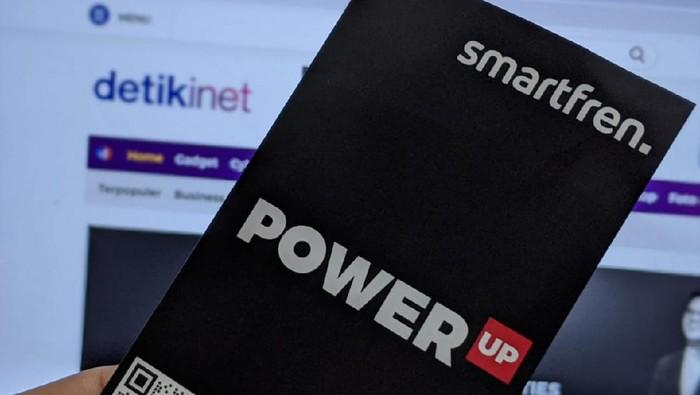 Untuk menyasar generasi muda yang dekat dengan dunia digital, Smartfren memperkenalkan layanan seluler prabayar digital Power Up, di mana kuota dan layanannya bisa diracik sesuai selera.
