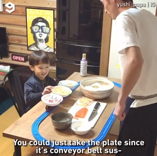 anak dan ayah bikin resto sushi