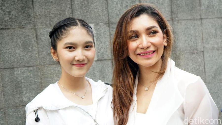 Baby Margaretha dan putrinya, Zahra.
