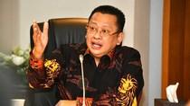 MPR Minta Jokowi Perbanyak Bansos dan Stimulus