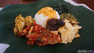 Terdampak Corona, Restoran Padang Ini Punya Siasat Untuk Jaga Omzet