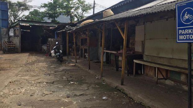 Pasar Rawasari atau Pasar Rawa Kerbau Jakpus ditutup sementara. (Foto: Tiara/detikcom)
