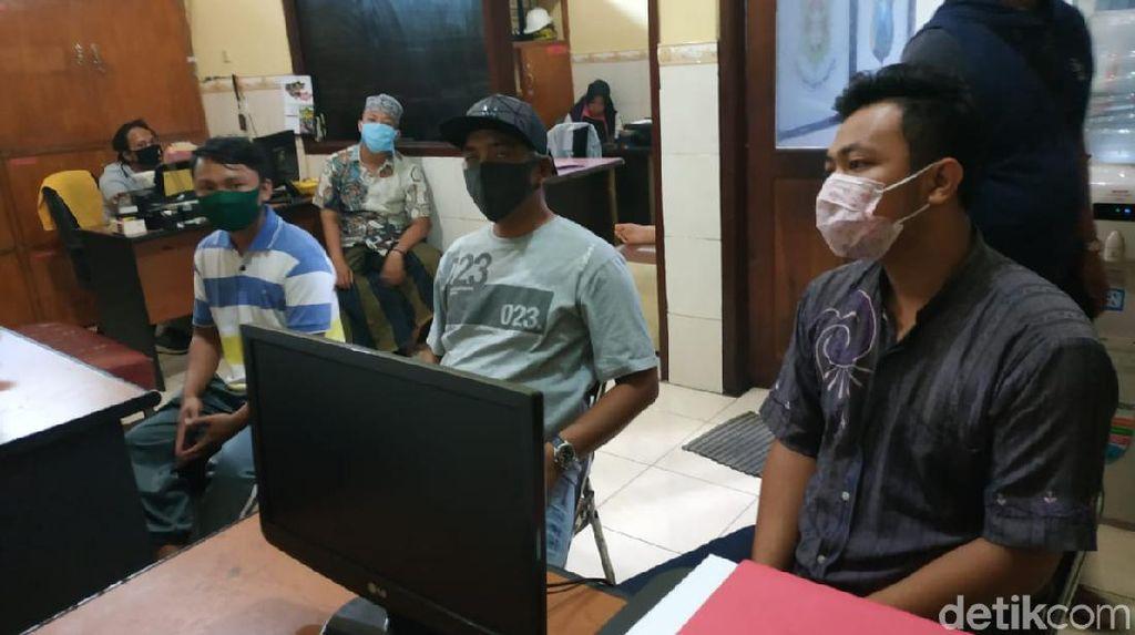 Setahun Corona Diwarnai Beragam Jemput Paksa Jenazah COVID-19 di Surabaya