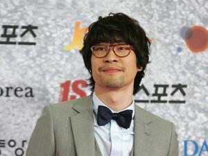 Ryu Seung Beom Akan Menikah, Netizen Minta Gong Hyo Jin Segera Menyusul