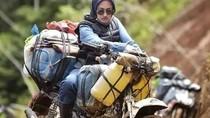 Viral Aksi Bupati Cantik Luwu Utara yang Rela Off Road Demi Antar Sembako