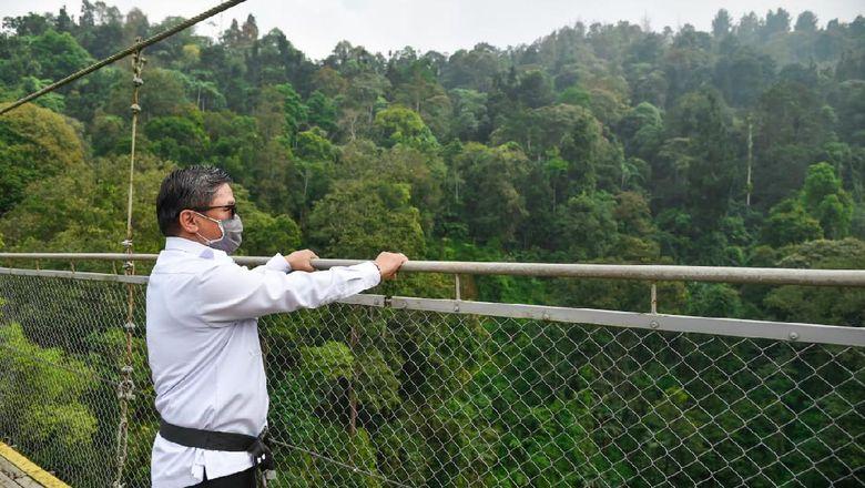 Jembatan Situ Gunung di Sukabumi.
