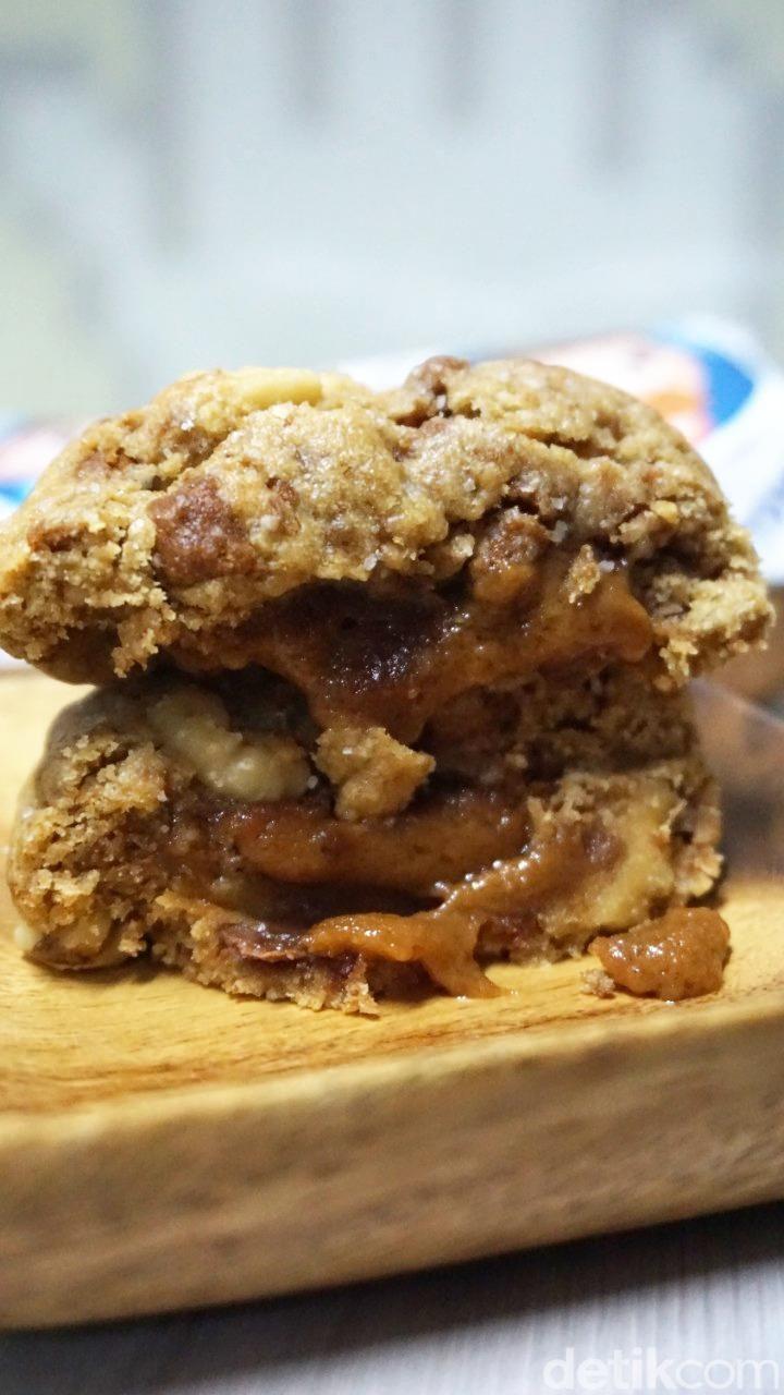 Soft Cookies dari Tom's Bomb Cookies