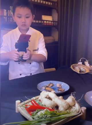 Chef CIlik Jago Masak dan Edit Video