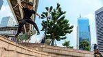 Duh, Para Pemberani Ini Bermain Skateboard Tanpa Masker