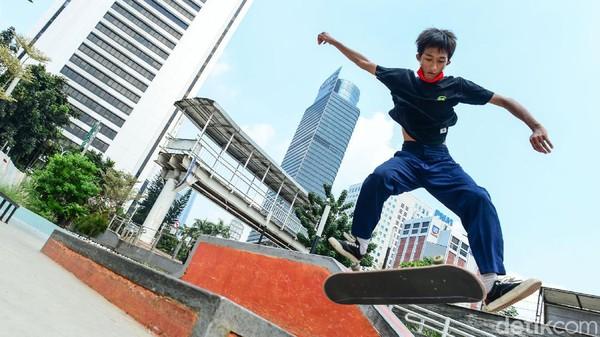Taman skateboard di Dukuh Atas, Jakarta Selatan yang selalu ramai sebelum masa pandemi. (Ari Saputra/Detikcom)