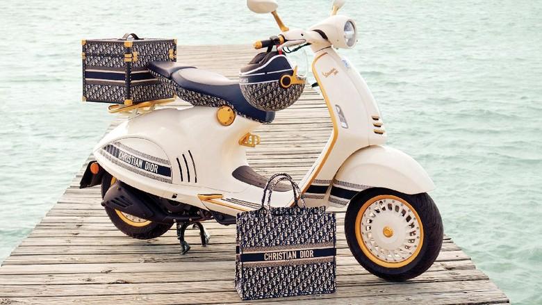 Vespa 946 berkolaborasi dengan House of Dior