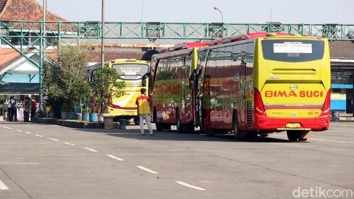 Terminal Leuwipanjang, Kota Bandung, Jawa Barat kembali beroperasi hari ini. Wali Kota Bandung Oded M Danial yang langsung memimpin pembukaan terminal itu.