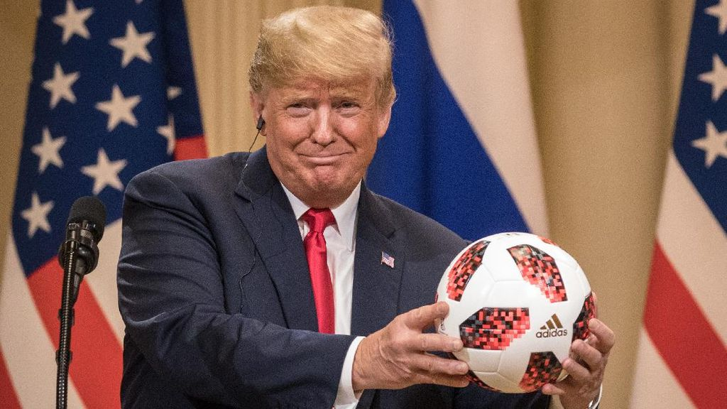 Rilis Memoar, Keponakan Sebut Trump Pakai Joki Saat Masuk Universitas