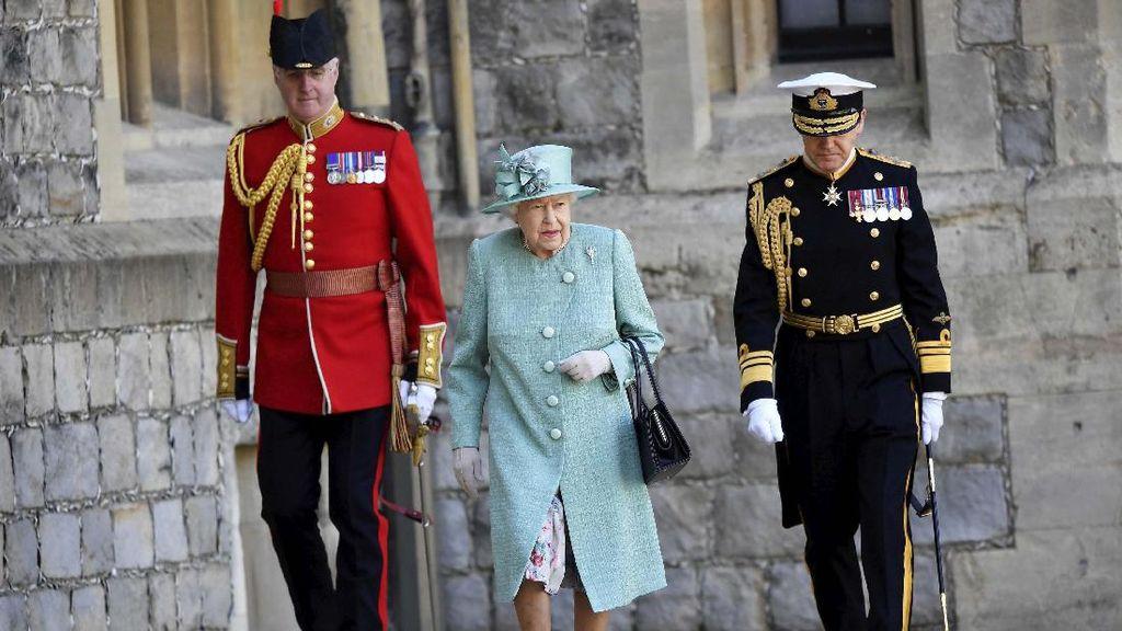 Ratu Elizabeth II Punya Sederet Aturan Mandi yang Ketat, Apa Saja?