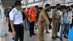 Anies-Bima Arya Kompak Tinjau Antrean Penumpang di Stasiun Bogor
