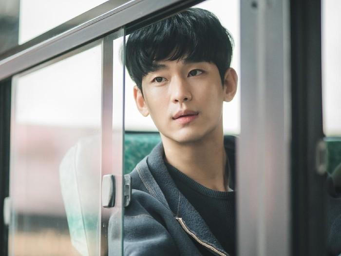 Kim Soo Hyun Baper saat Baca Naskah 'It's Okay to Not Be Okay'