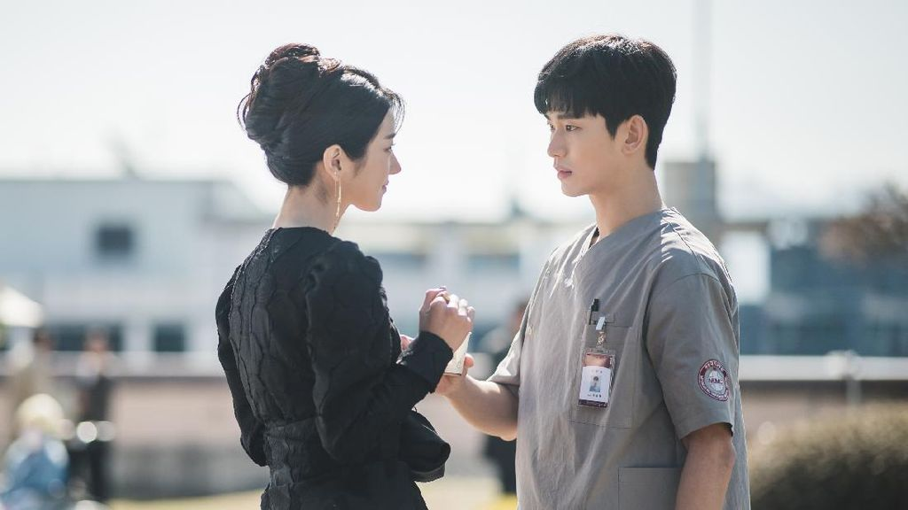 Its Okay To Not Be Okay Makin Seru, Ini 8 Kemesraan Kim Soo Hyun & Seo Ye Ji