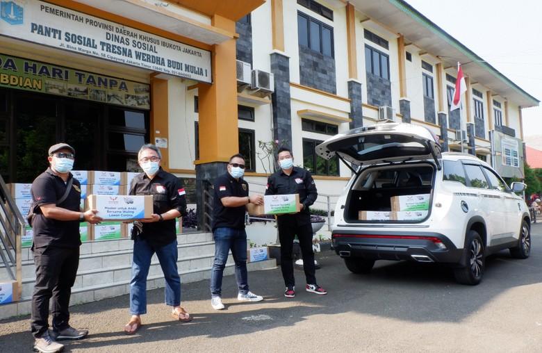 Komunitas Wuling Almaz Indonesia gelar donasi.
