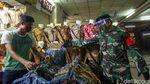 Potret Pasar Tanah Abang Terapkan Ganjil-Genap