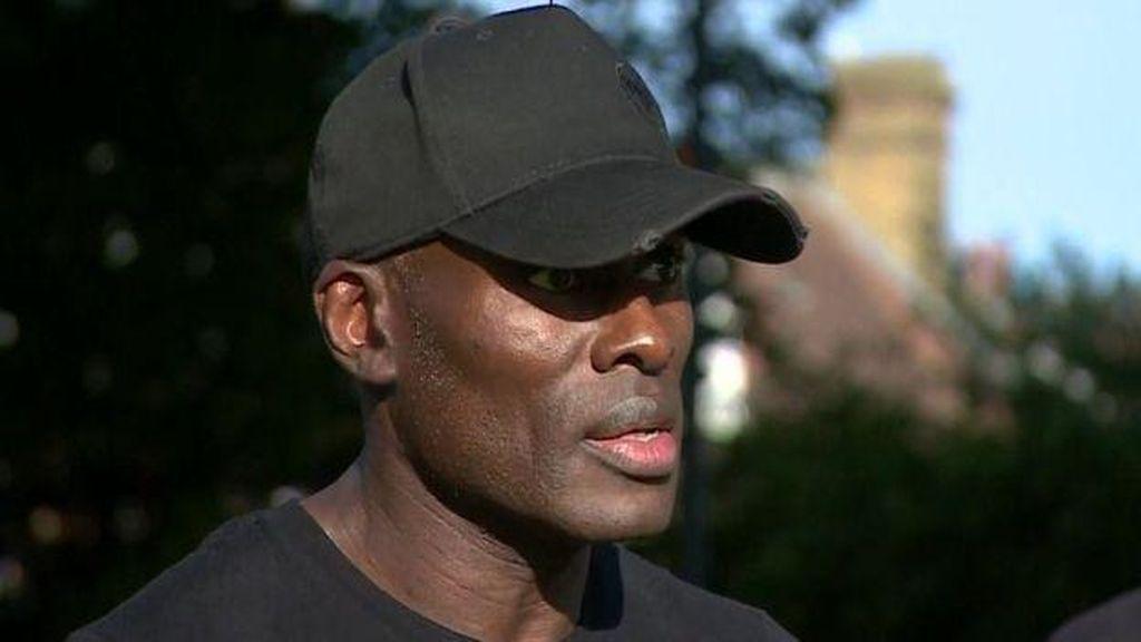 Viral Pria Kulit Hitam Selamatkan Pria Kulit Putih Saat Demo Rusuh di London