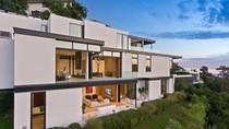 Foto: Ariana Grande Beli Rumah Rp 200 M, Jadi Tetangga Keanu Reeves