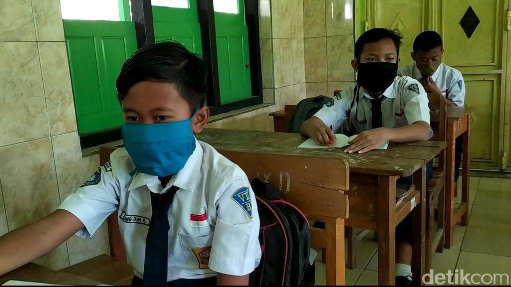 Mendikbud: SD-SMA Dibuka Bertahap, Perguruan Tinggi Masih Daring