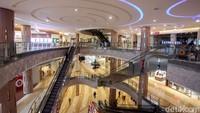 Penerapan protokol kesehatan di dalam mal itu pun diharapkan dapat memberikan rasa aman dan nyaman bagi para pengunjung dan pegawai yang beraktivitas di dalam pusat perbelanjaan tersebut.