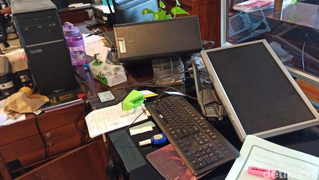 ASN Banyuwangi yang Ngamuk Rusak Kantor Dispendukcapil Aktif di LSM