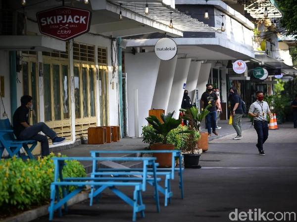 Seperti diketahui, tempat nongkrong milenial di kawasan Jakarta Selatan, M Bloc Space kembali dibuka untuk umum sejak Senin (15/6) kemarin, setelah sebelumnya ditutup imbas pandemi COVID-19.