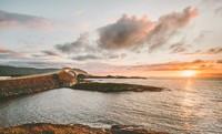 Sunset di Atlantic Ocean Road juga sangat indah. (Getty Images/iStockphoto)