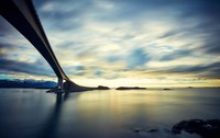 Atlanterhavsvegen berhasil menyabet beberapa penghargaan dunia yaitu, The Worlds Best Road Trips, The Most Beautiful Car Journey, Norways Best Bicycle Trip, dan The Worlds Best for Car Testing. (Getty Images/iStockphoto)
