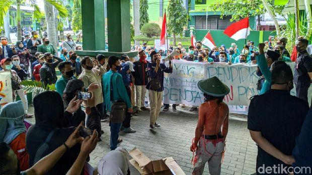 demo mahasiswa iain ponorogo