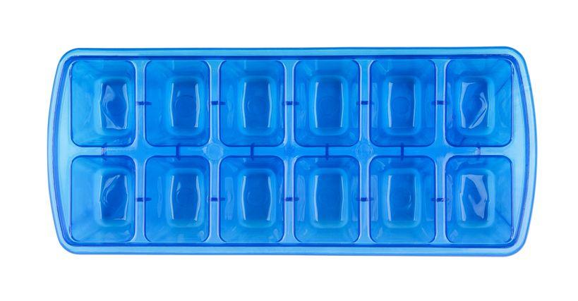 Trik Tepat Isi Air Untuk Es Batu