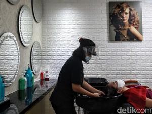 Jakarta Kembali PSBB Transisi, Ini Aturan Buat yang Mau ke Salon