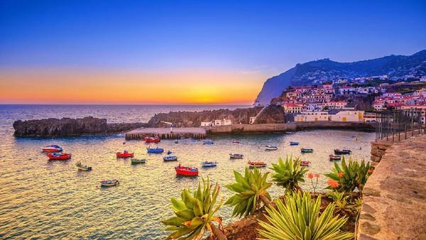 Portugal memiliki 40 kali kasus Corona yang lebih rendah dari negara Eropa yang paling terdampak. Salah satu destinasi bernasib baik saat menghadapi Corona adalah Pulau Madeira ini. (Juergen Sack/Getty Images)