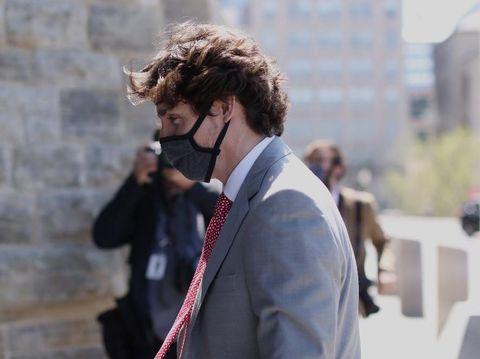 Perdana Menteri Kanada Justin Trudeau arrives tiba di Parliament Hill untuk menghadiri Komite Khusus penanganan COVID-19 di Ottawa, Kanada.