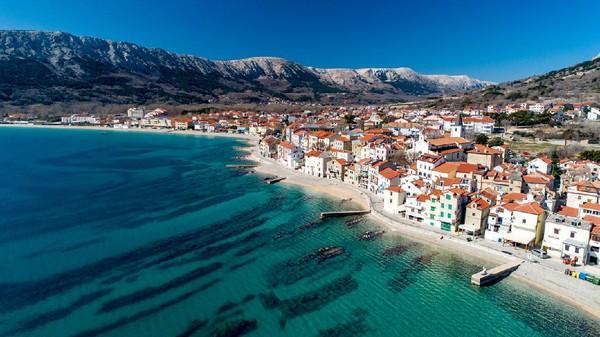 Baru-baru ini Kroasia menawarkan pelayaran pribadi yang nantinya berlayar pad 2021. Kasus di Kroasia sekitar 20 kali lebih rendah dari negara Eropa lain. (CasarsaGuru/Getty Images//iStock)