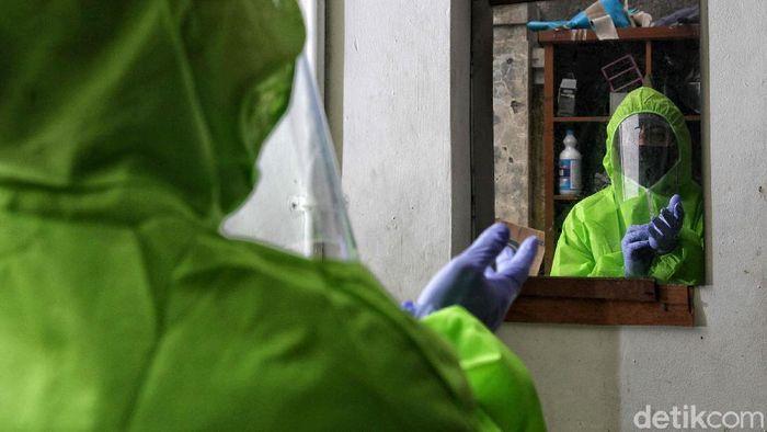 Photo story ini menceritakan tentang perjuangan petugas yang mengangkut, mengolah dan membawa limbah medis di tengah pandemi COVID-19 di Jakarta.