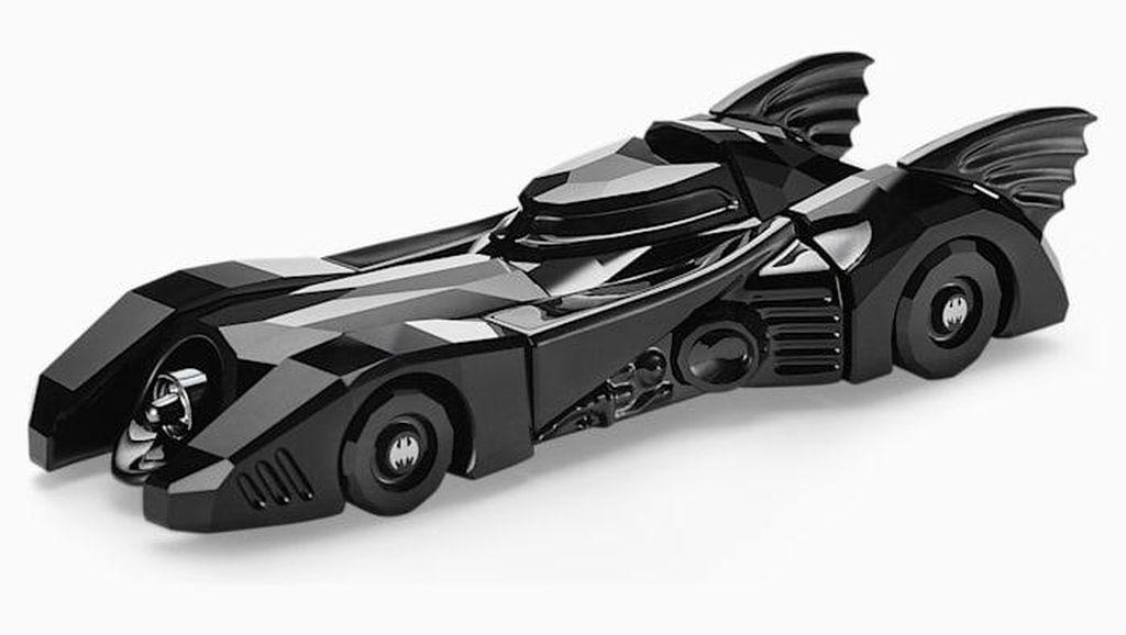 Miniatur Batmobile Berbalut Kristal Swarovski Ini Dijual Rp 8 Jutaan
