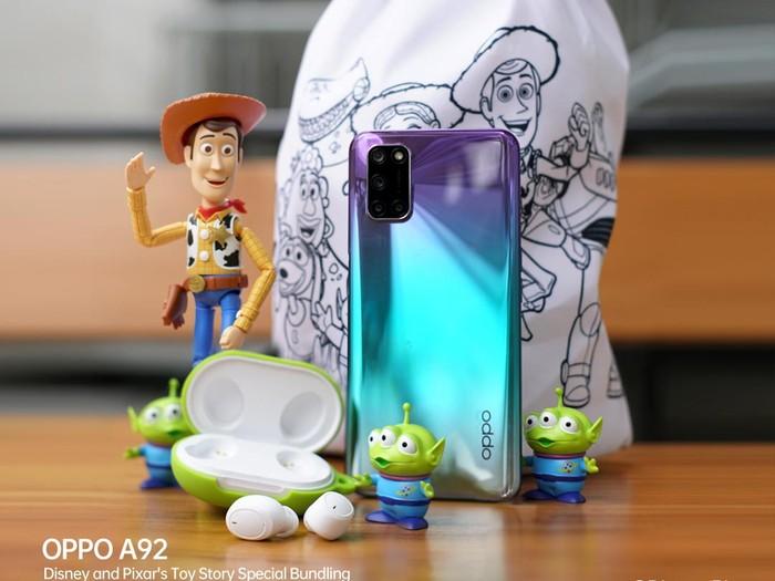 OPPO A92 Bundling Enco W11 Toy Story