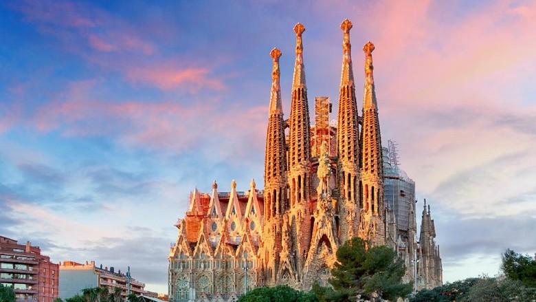 Sagrada Familia Basilica di Barcelona.