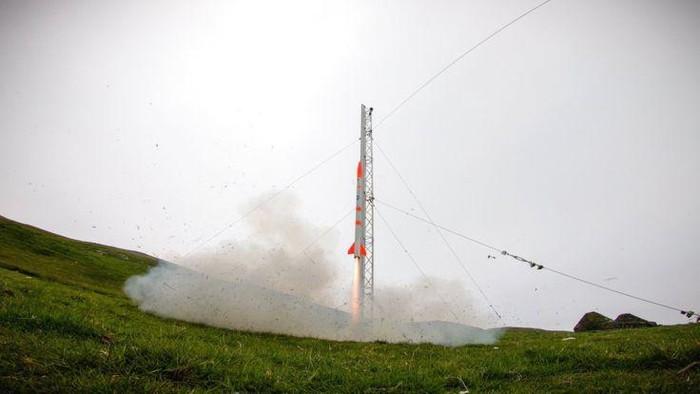 Roket satu ini memang tidak semegah dan secanggih Falcon 9 milik SpaceX. Akan tetapi, roket kepunyaan Skyrora, startup yang berbasis di Edinburgh, Skotlandia, baru saja sukses menguji roketnya.