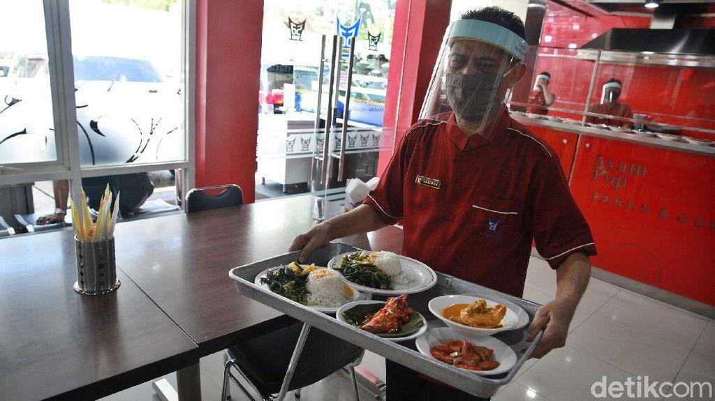 Karyawan Restoran Terancam Tak Dapat THR Tahun Ini