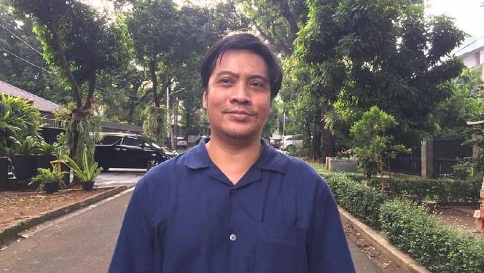 Cerita RT soal Penggerebekan Russ Medlin: Polisi Dikira Rampok