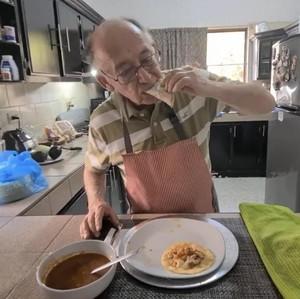 Pria 79 Tahun Kena PHK karena Corona Sukses Jadi YouTuber, Kamu Juga Bisa!