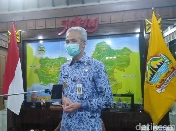 Gubernur Jateng Ganjar Pranowo menjelaskan soal PPDB Jateng, Rabu (17/6/2020).
