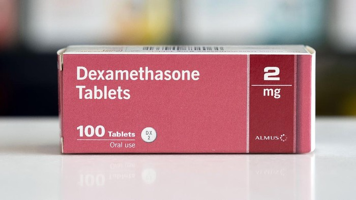 Peneliti di Inggris menyatakan ujicoba pengobatan COVID-19 menggunakan dexamethasone menunjukkan keberhasilan dalam menyelamatkan nyawa pasien.